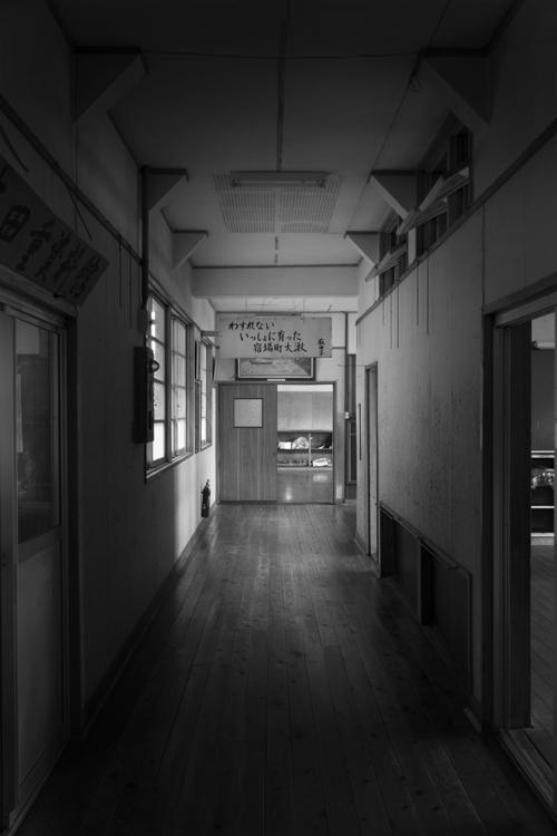 大湫小学校 2階廊下